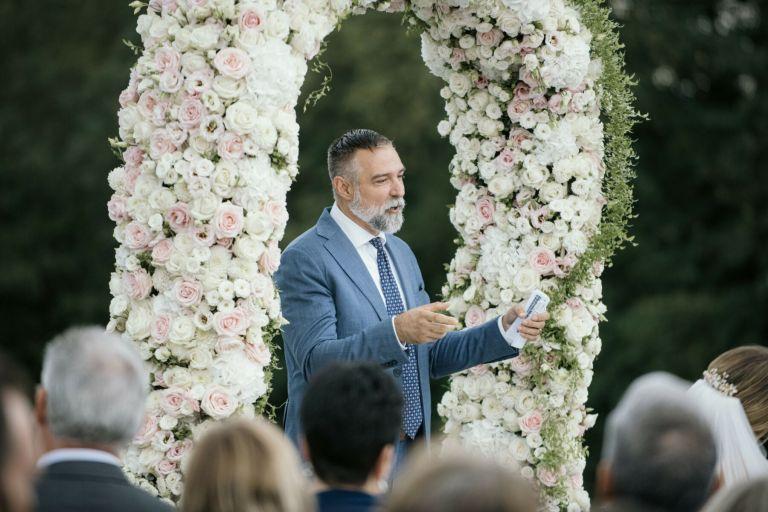 Elegantes-Hochzeit-Stillvoll-romantsich-scheune-bayern-passau-heiraten-rupperts-bonvivant-brautkleider-2020-hochzeitsauto-Braut-Brautfotos-Braut-inspirationnen-Hochzeitstorte-53